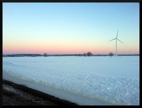 Det var knappt så vindkraftverket rörde sig.